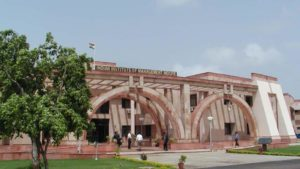 indian-institute-photo-management-indore-hindustantimes-file_a423f59c-2c3f-11e8-a965-f54d0b6b9edf-300x169