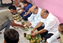 Amit-Shah-lunch-at-Dalit-house_Twitter@AmitShah1